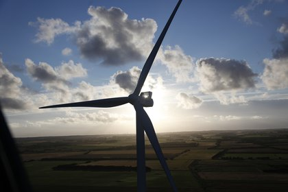 Worlds top wind turbine maker ups the stakes...